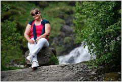Una portoghesa XXXXL alla cascata di Tvindefossen