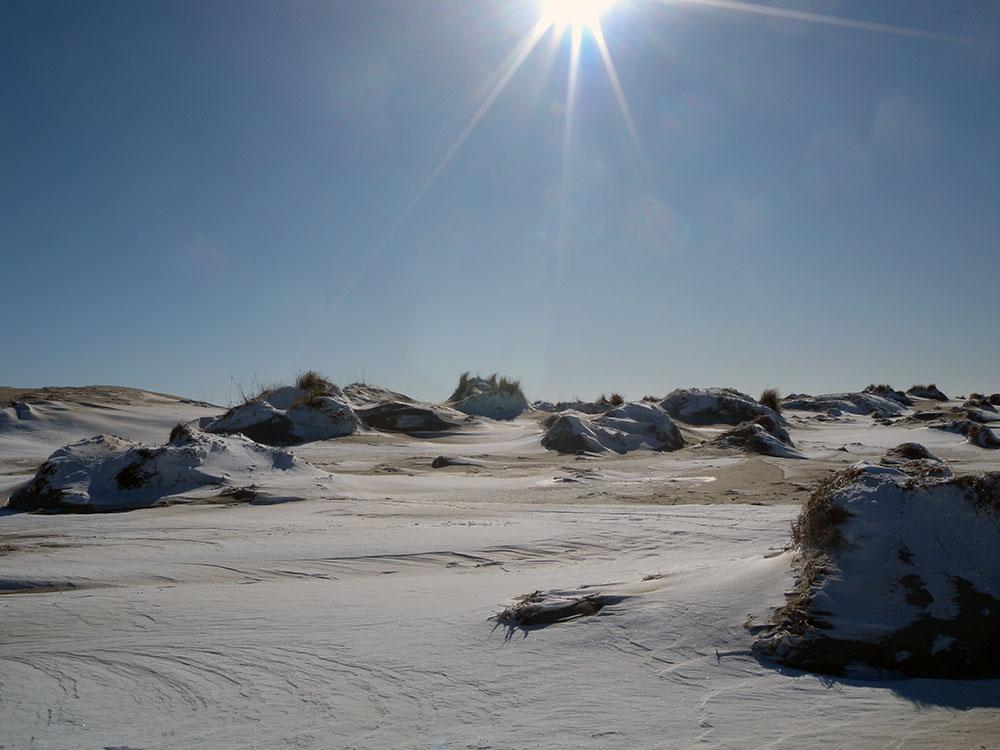 Unberührte Natur im Winter auf der Insel Römö in Dänemark