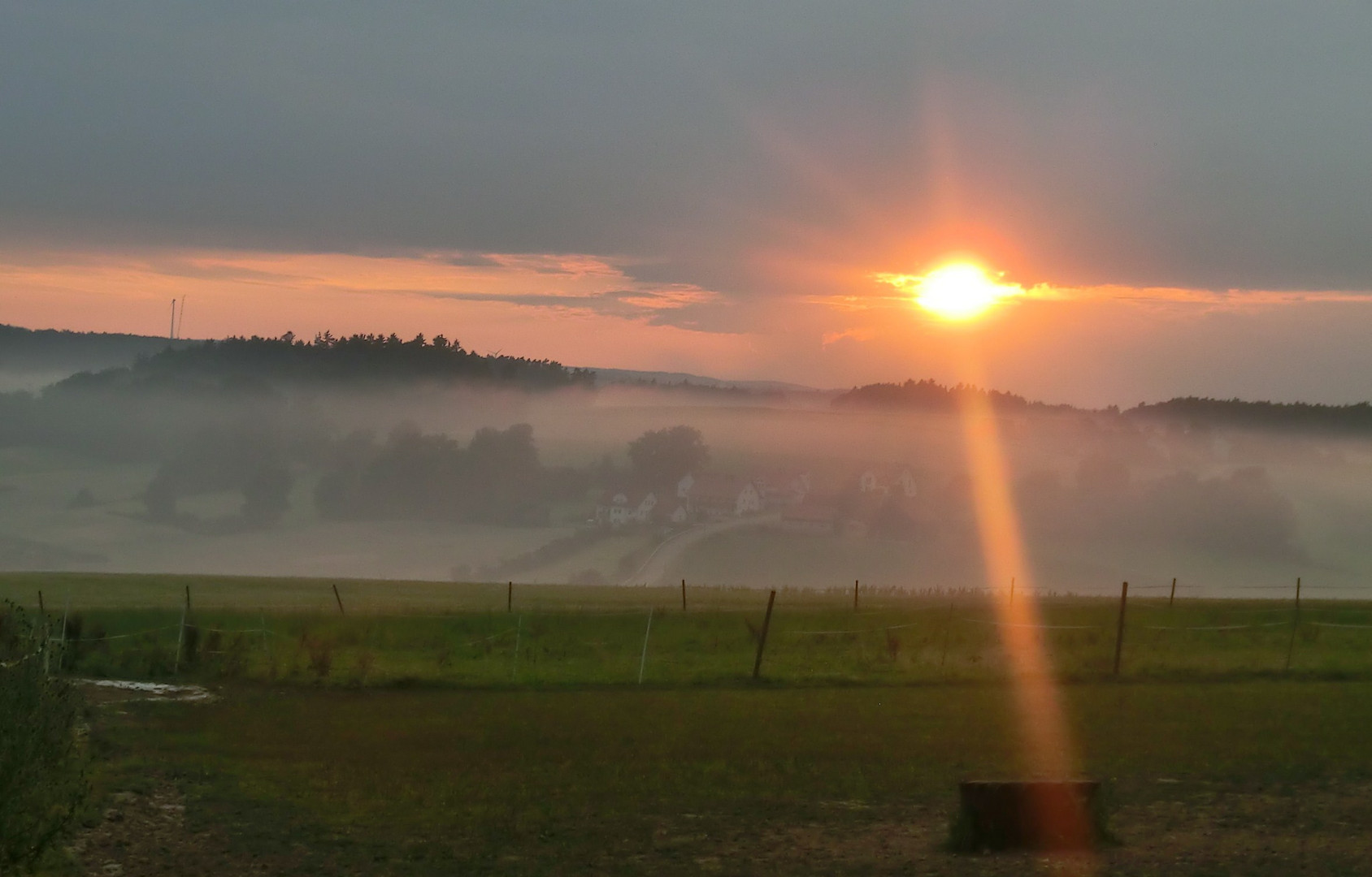 ...und aus den Wiesen steiget der weiße Nebel wunderbar...