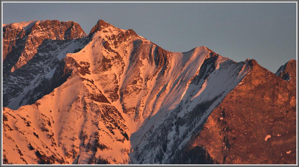 und dann zeigten sich die Bergspitzen nochmals im letzten Sonnenlicht...