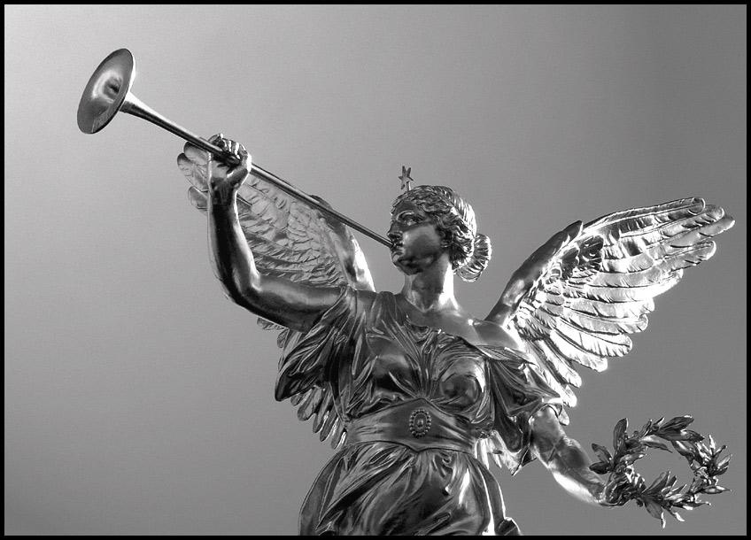 ... und der erste Engel blies in seine Posaune