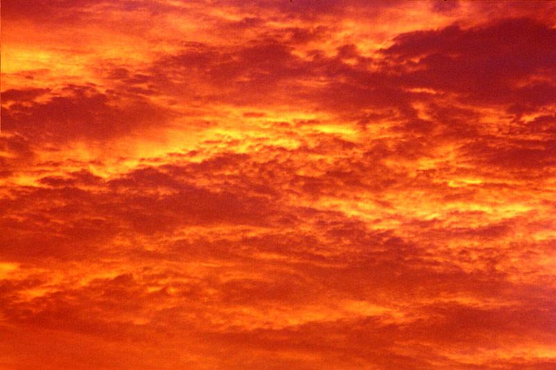 ... und der Himmel brannte