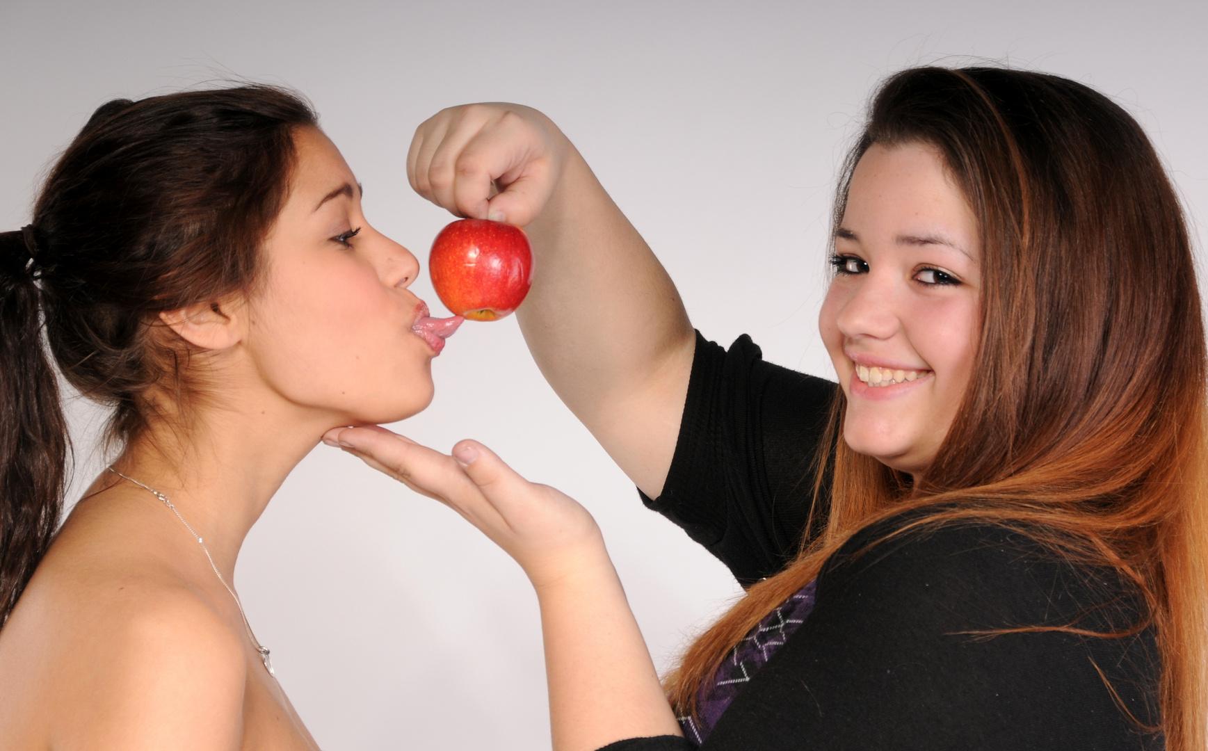 und ewig lockt .... nein nicht das Weib sondern ..... nur der Apfel !