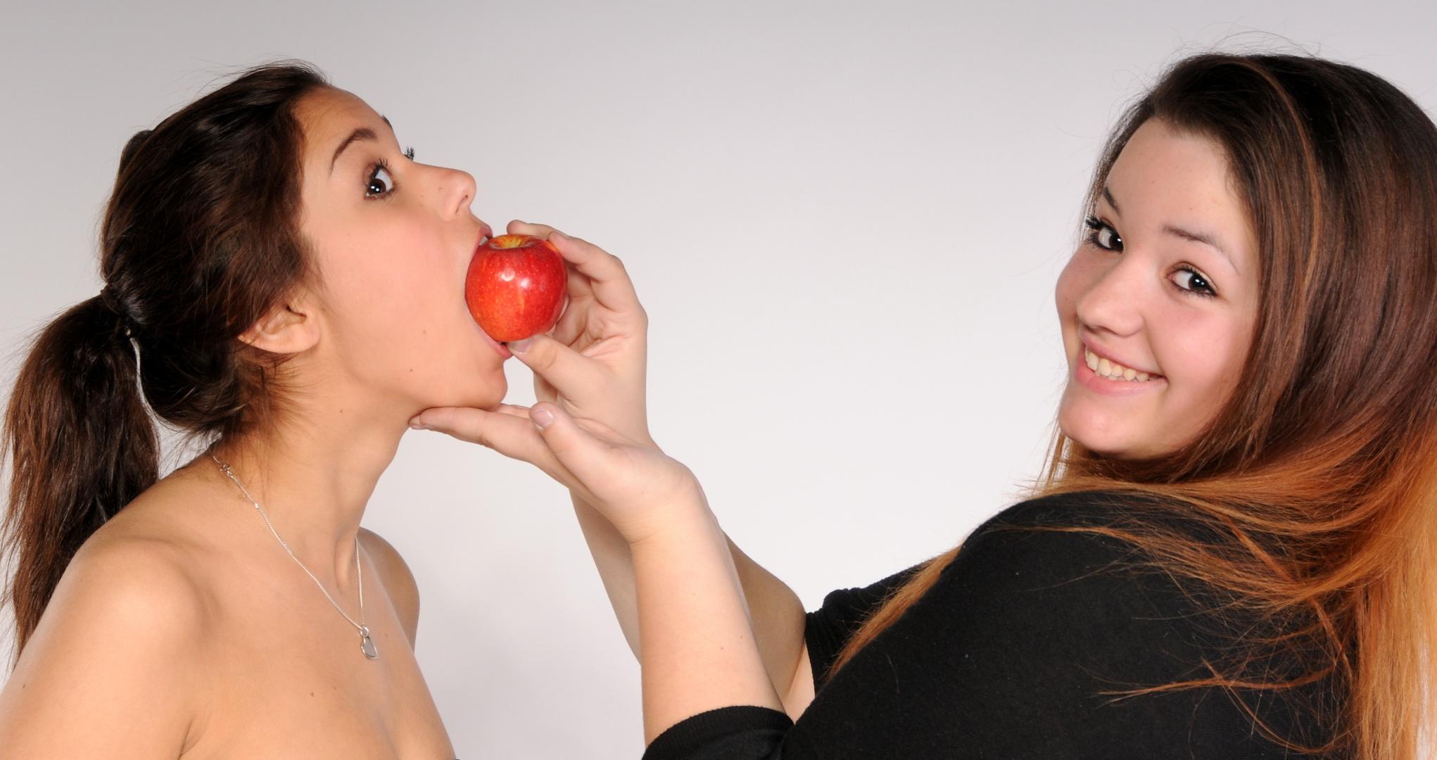 ...........und jetzt der Apfel...... für Dich