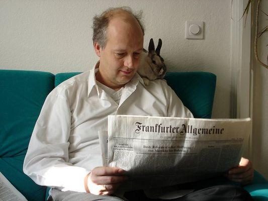...und Morgens ran an die Zeitung!