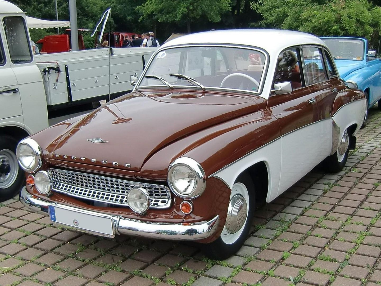 und noch ein Stück DDR-Geschichte - Wartburg 311 Limousine