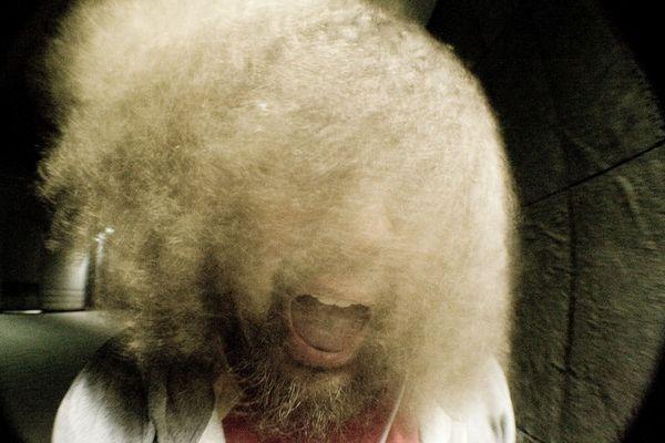 Und Oma hat mir noch imer gesagt: Junge kämm dir die Haare!