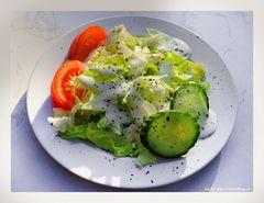 Und Salat gerhört auch dazu....