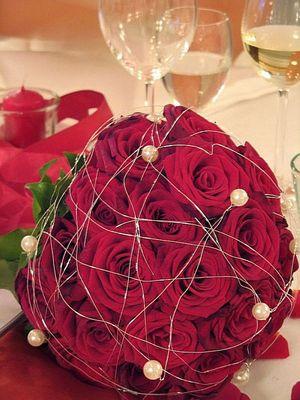 Und schon wieder ein Brautstrauß aus Rosen...