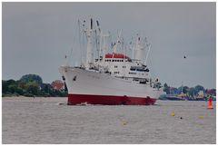 Und sie fährt auf der Weser  ....