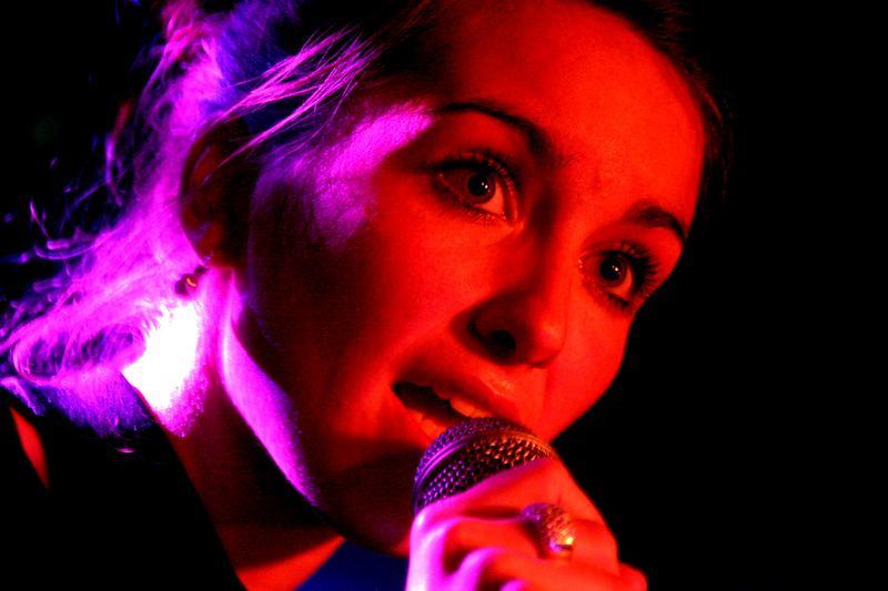 Und sie sang mit einer Stimme....