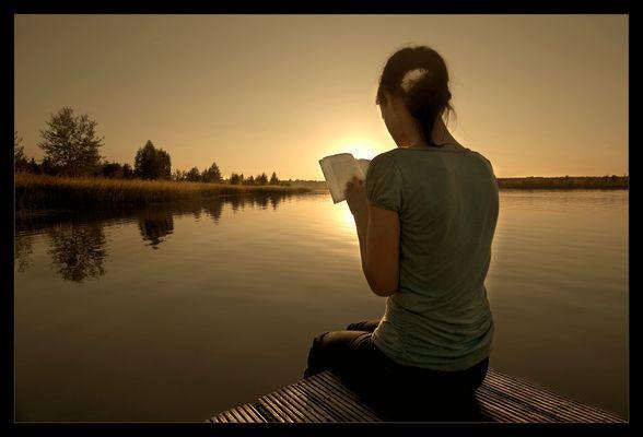 ...und sie saß und las...