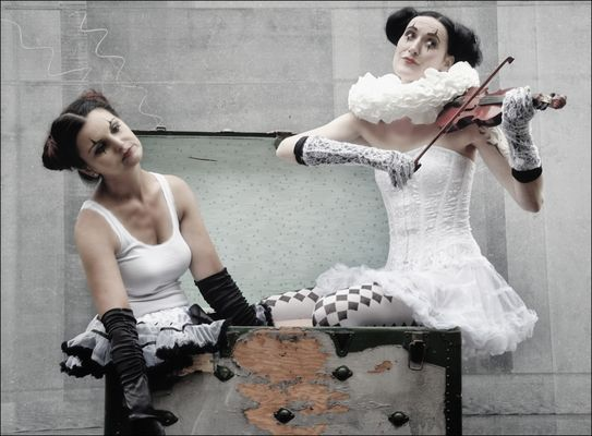 Und sie spielte unentwegt Bach... - Et elle jouait sans cesse Bach...