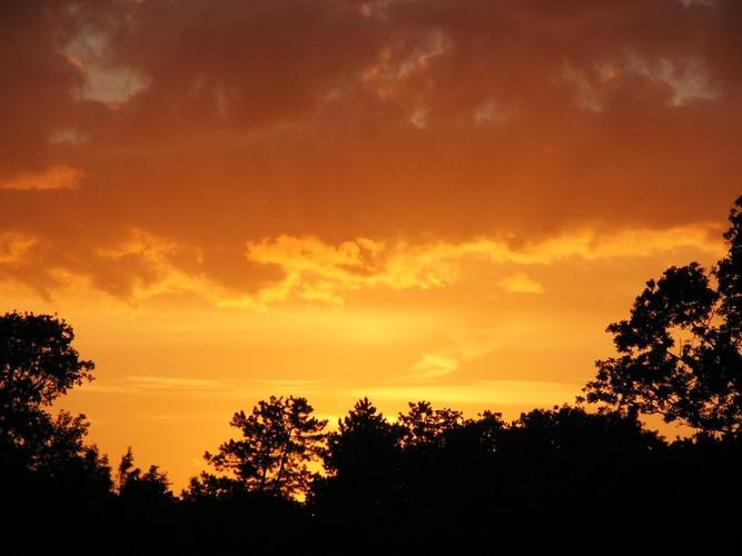 Und täglich brennt der Himmel....