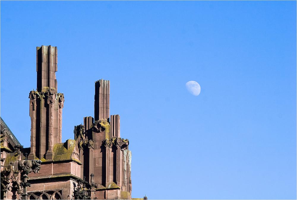 Und über allem wacht der Mond II