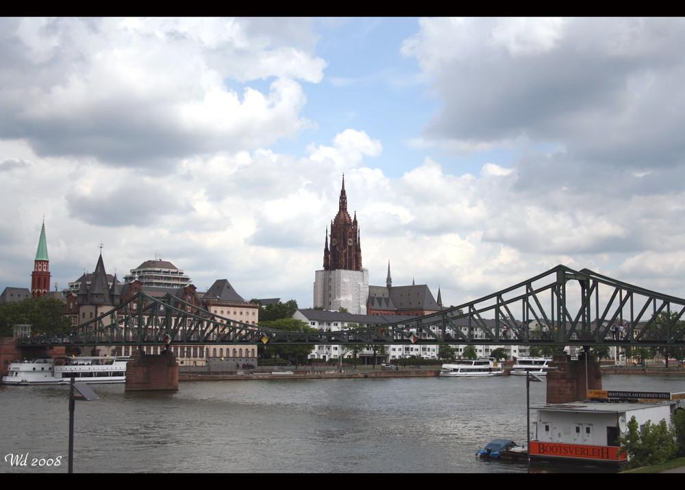 Und wir lassen unseren Dom in Frankfurt