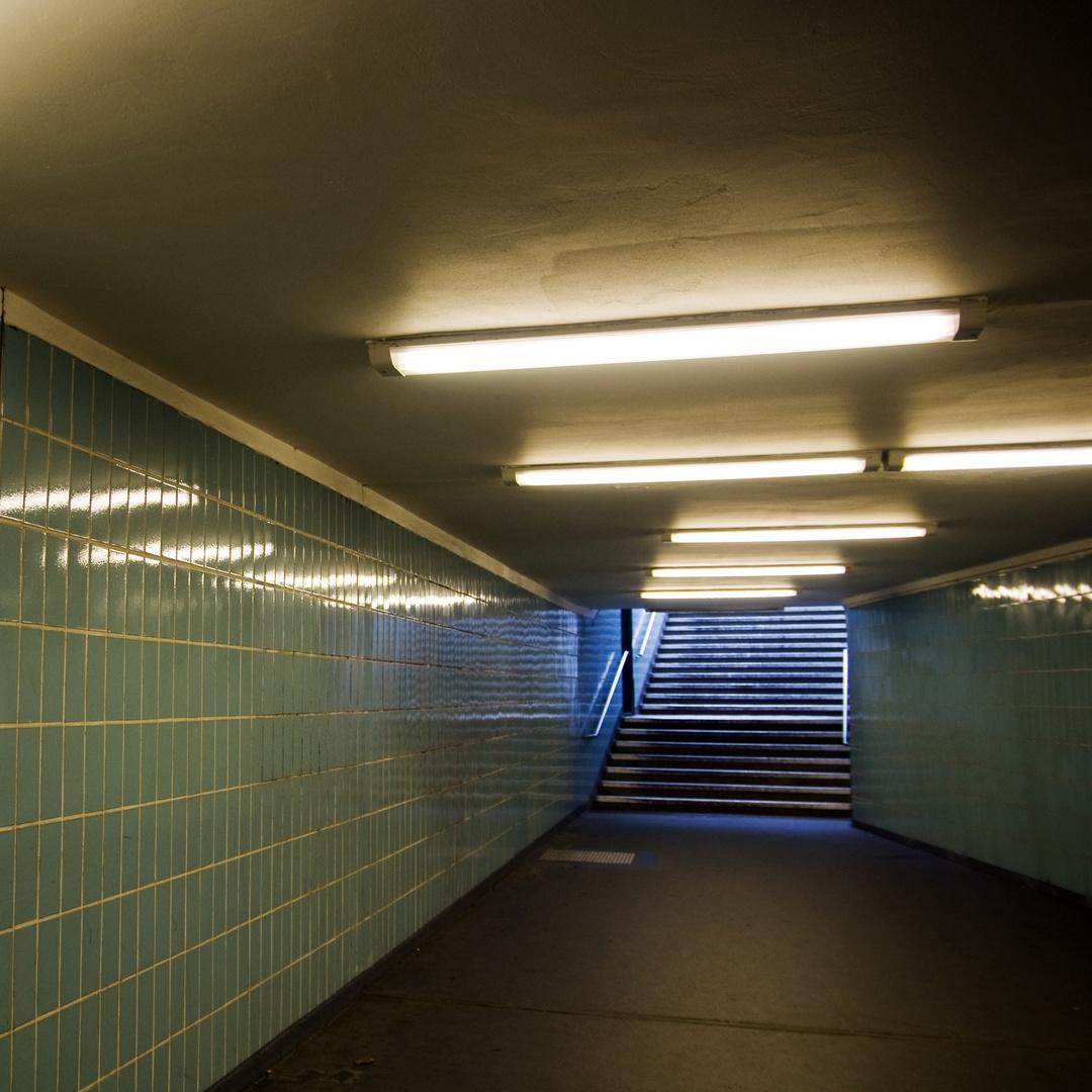 UNDERGROUND BERLIN - U-Bahnhof  Spichernstrasse