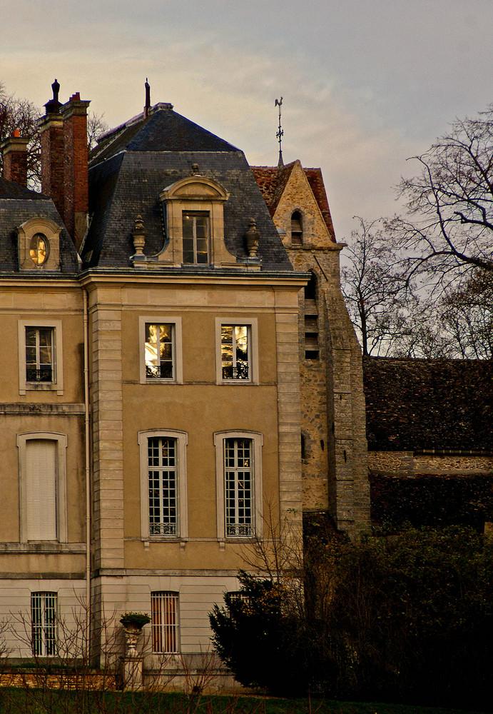 une aile du château de Vaux le Pénil