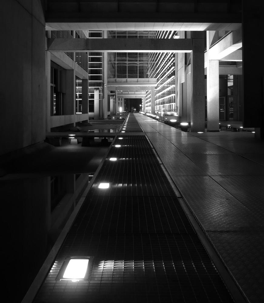 une banque... la nuit