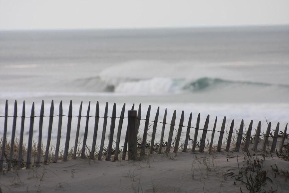 Une barriere sur l'océan