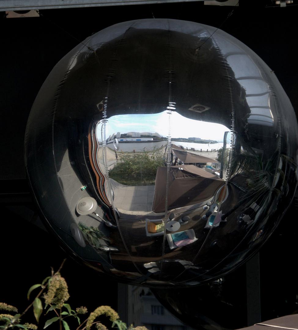 Une boule pour y voir ...