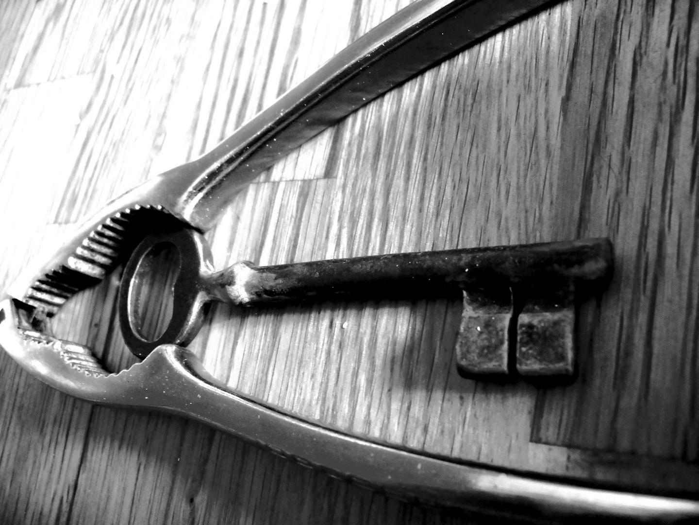 une clé marié à un casse noisette !
