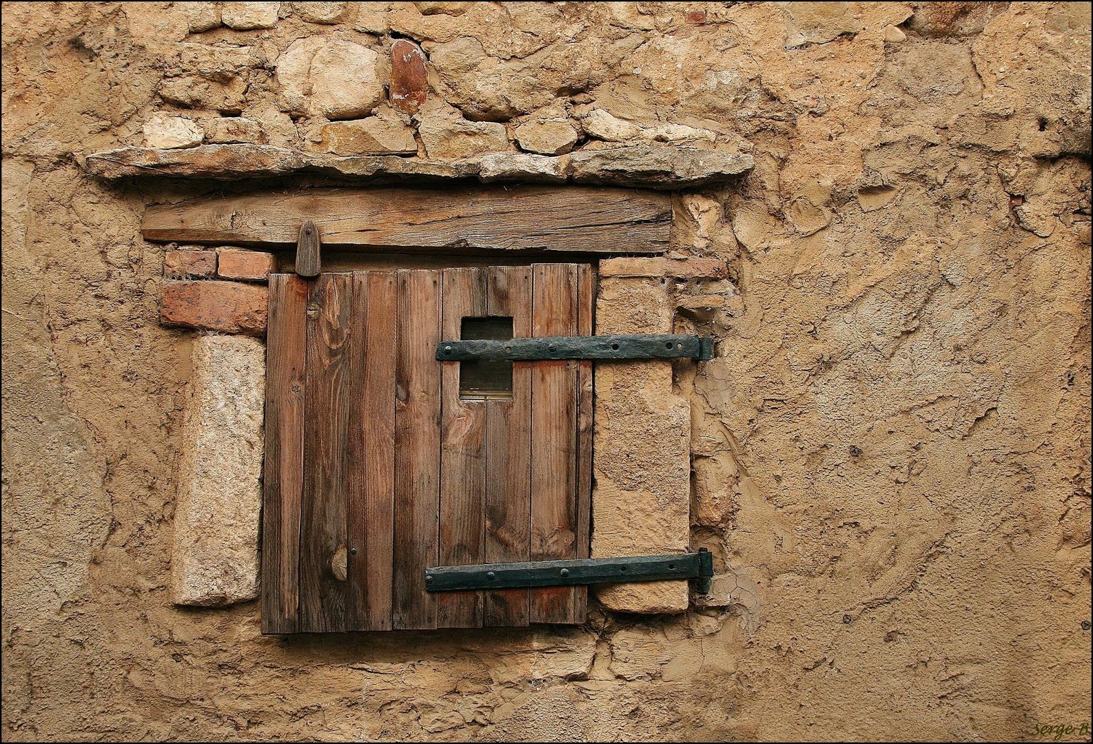Une fenêtre à Goudargues