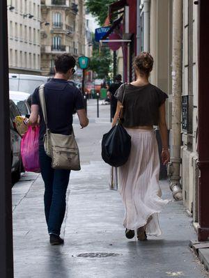 Une jupe transparente...