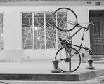 Une nouvelle façon de garer un vélo!!!!
