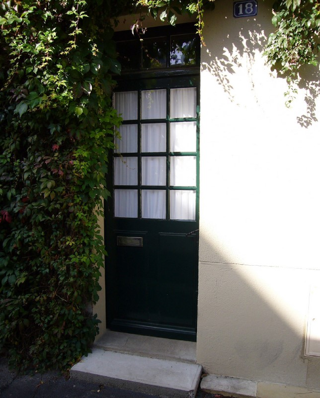 Une porte, à Angers (49)