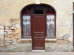 Une porte à Sarlat .