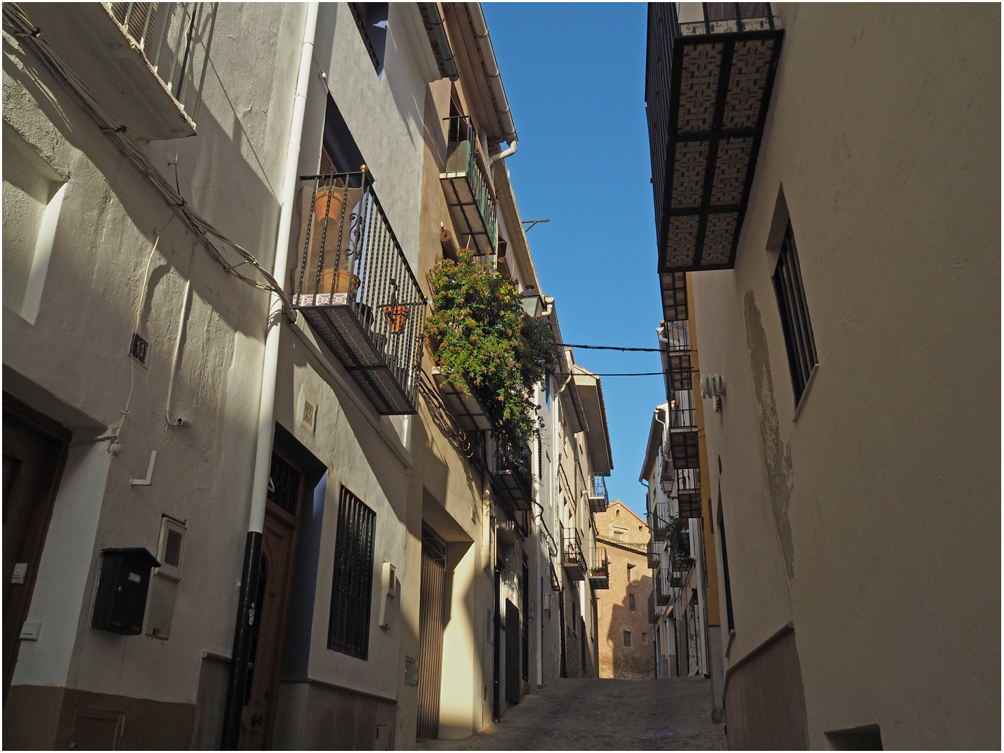 Une rue de la vieille ville  --  Segorbe