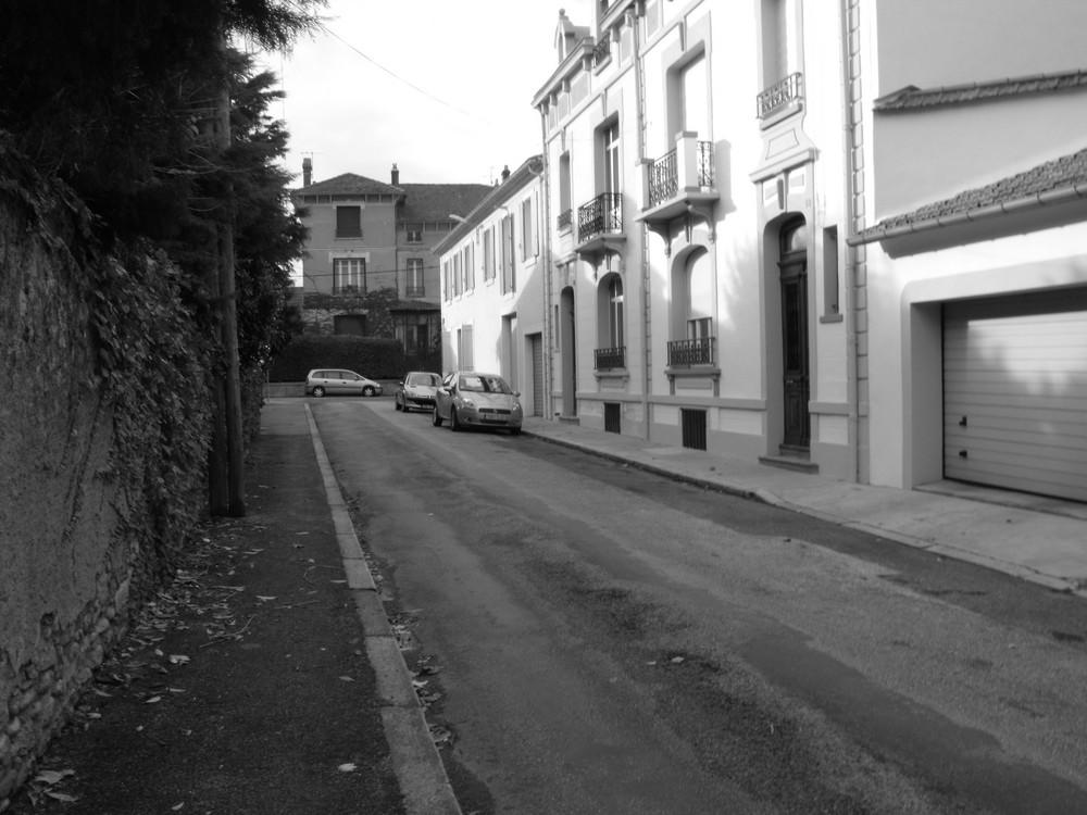 une rue en automne