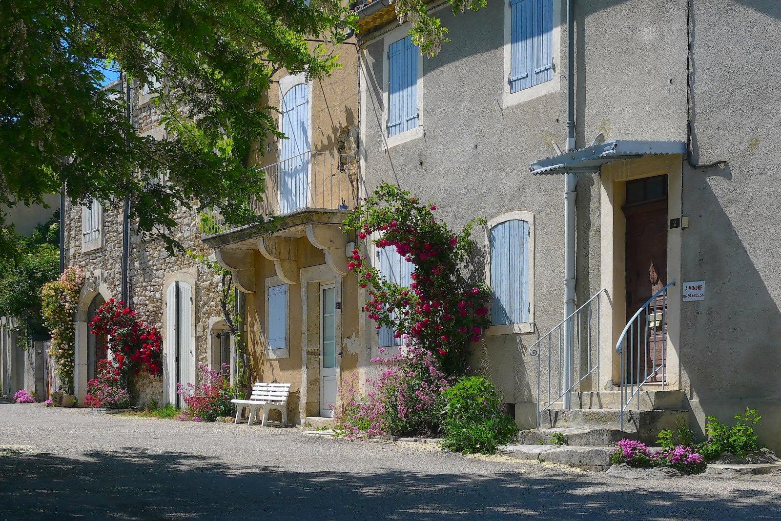 Une ruelle à Grignan