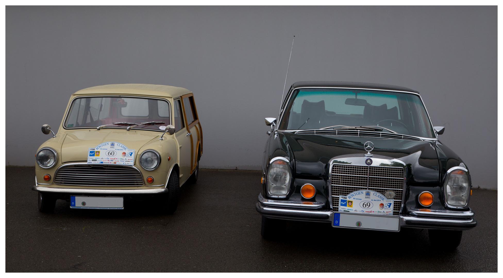 Ungleiches Duo (Mini Traveller und Mercedes Baureihe 108)