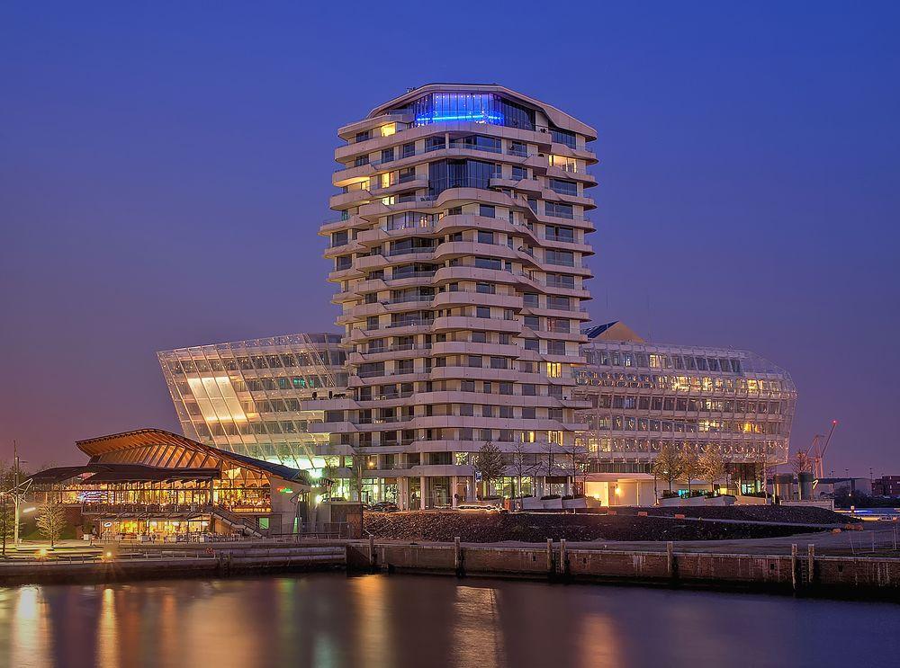 - - Unilever Gebäude - -