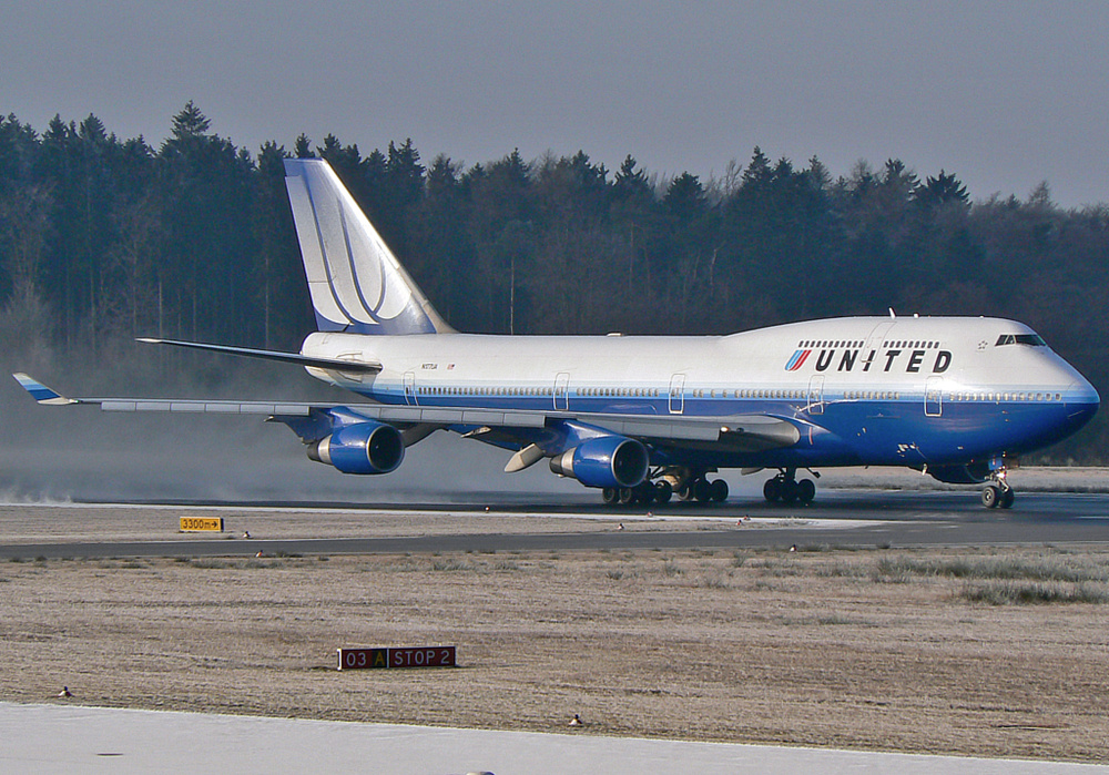 United Airlines Boeing 747-422 ; N177UA