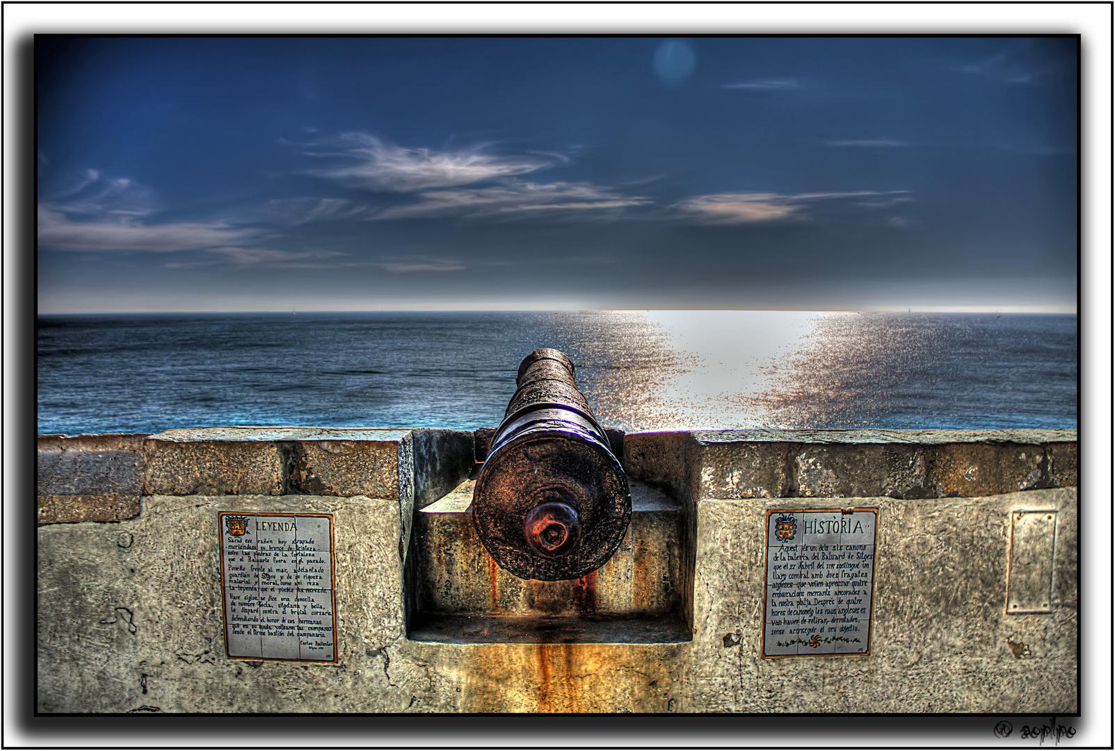 Uno de los 6 cañones - Sitjes