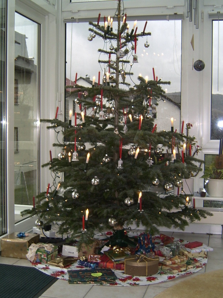 unser sch ner weihnachtsbaum von 2006 foto bild. Black Bedroom Furniture Sets. Home Design Ideas