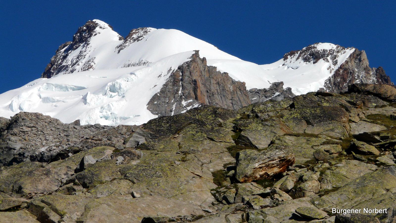 Unser Ziel------------ die Dufourspitze.