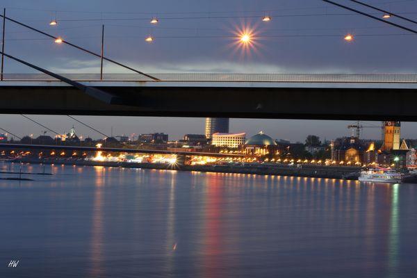 ...unten den Brücken