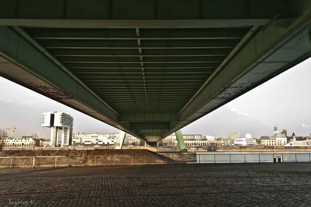 °Unter Brücken°