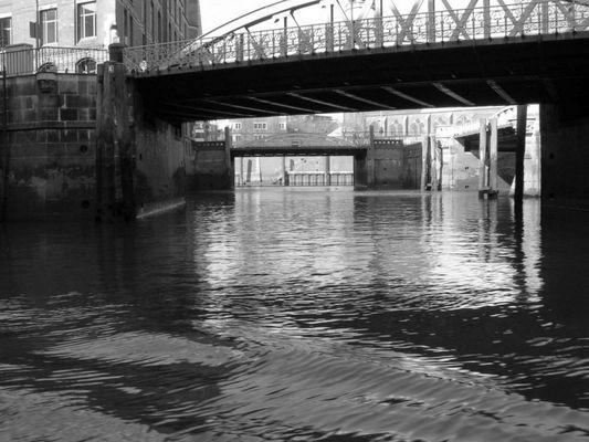 Unter den Brücken