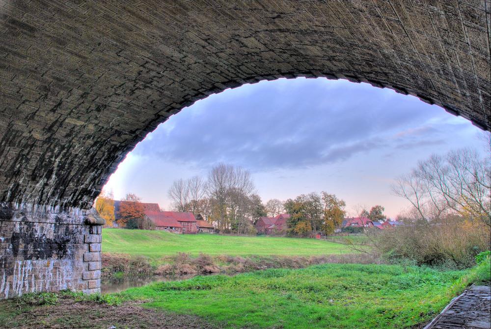 Unter der Brücke 2 ...