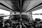 Unter der Brücke ...