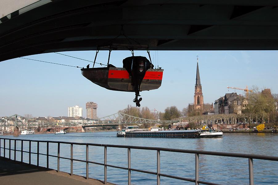 Unter der Brücke in Frankfurt am Main