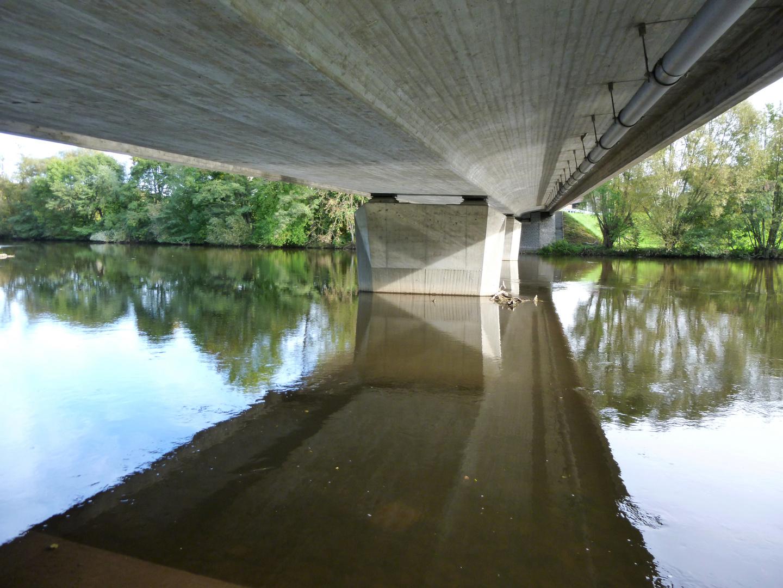 Unter der Brücke - Under the bridge