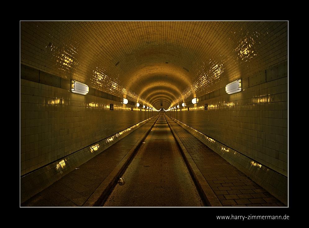 Unter der Elbe-4