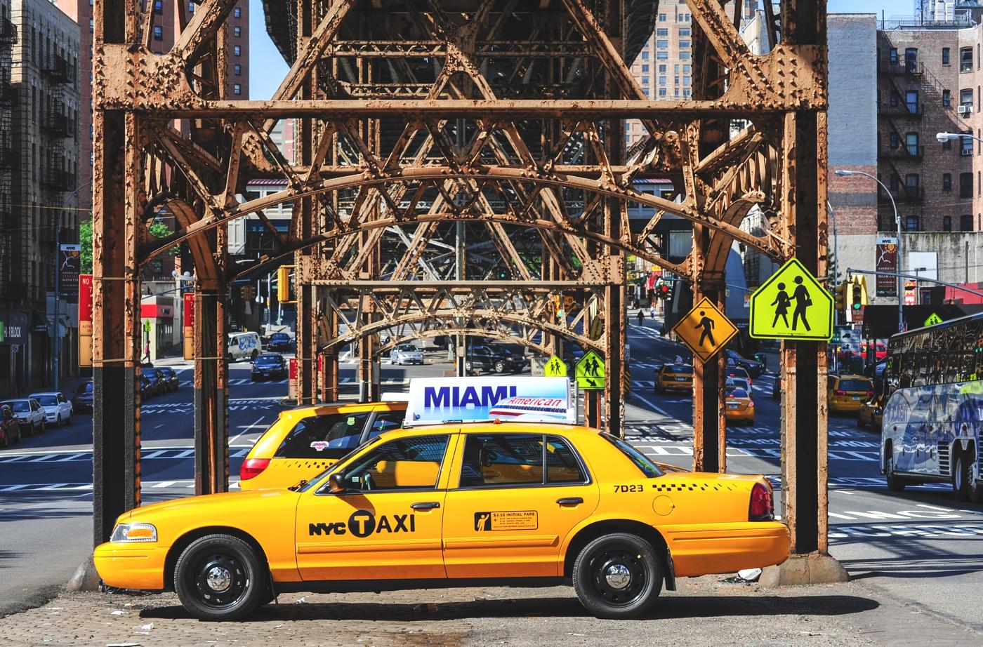 Unter der Hochbahnbrücke in Harlem