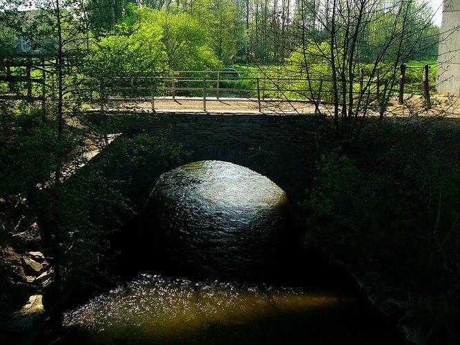 Unter der Neandertalbrücke....
